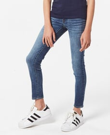 85409a1dc80a Levi s® Girls Clothing Featuring Classic Denim With The Latest Trends.